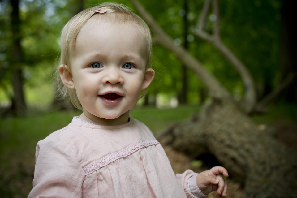 babyportrætter i Dyrehaven - framethebaby.dk