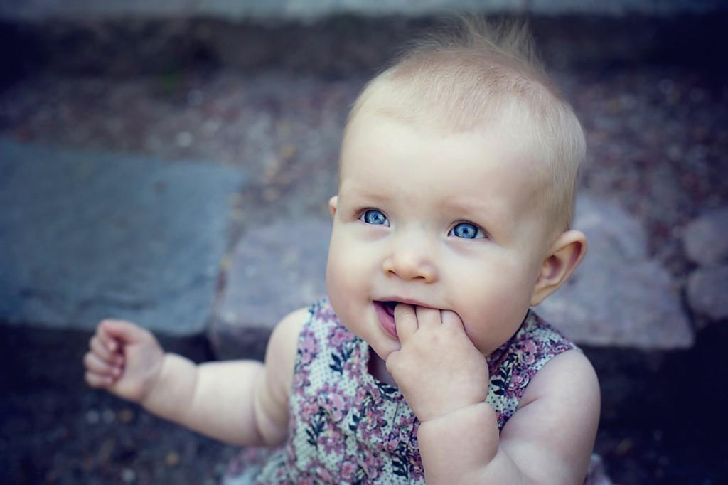 udendørs babyfoto