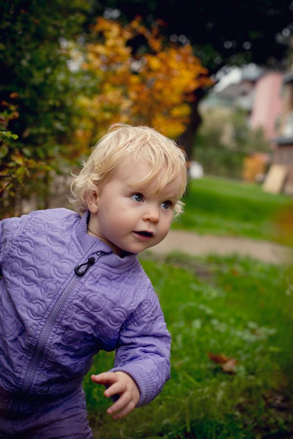 udendørs babyfotografi framthebaby