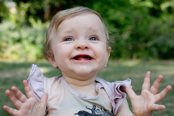 babyportrætter udenfor - babyfotograf i kbh