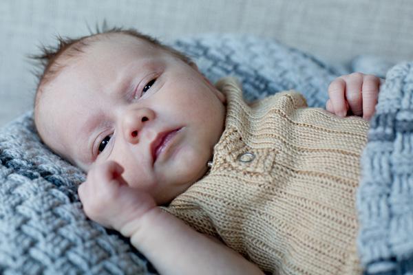 nyfødt fotograf - framethebaby
